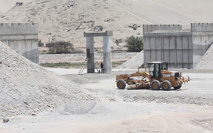 Construcción del Intercambio Vial Cerro Azul (año 2008)
