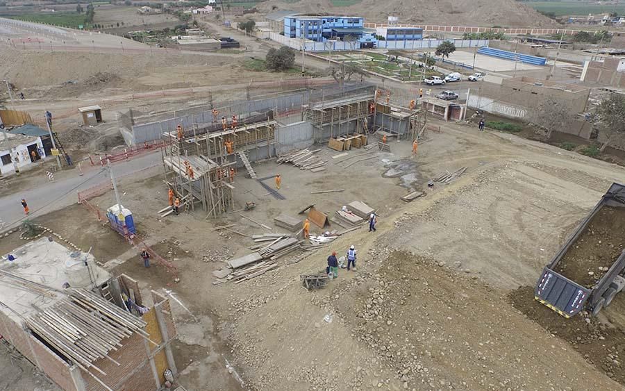 Construcción del Paso a Desnivel Tambo de Mora (año 2016)