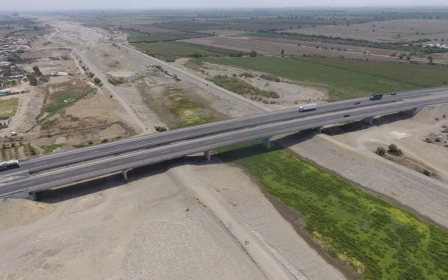Puente sobre el río Chico